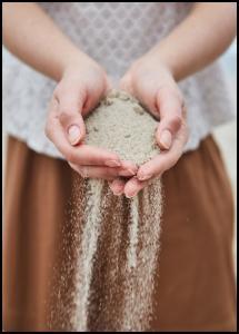 Hand in Sand Juliste