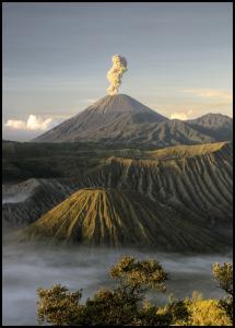 Green volcano Juliste