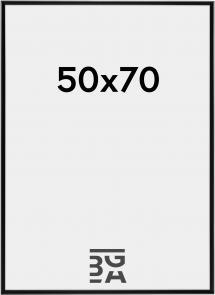 Desire Musta 50x70 cm