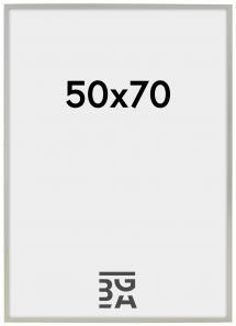 Edsbyn Hopeanvärinen 50x70 cm