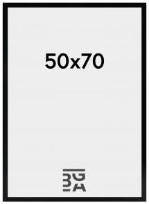 Amanda Box Musta 50x70 cm