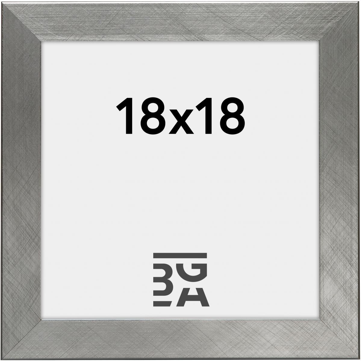 Uppsala Hopeanvärinen 18x18 cm